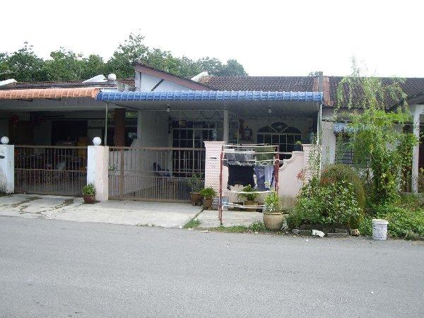 Satu Unit Rumah Teres Tingkat Lot Tengah Di Taman Selasih Kulim